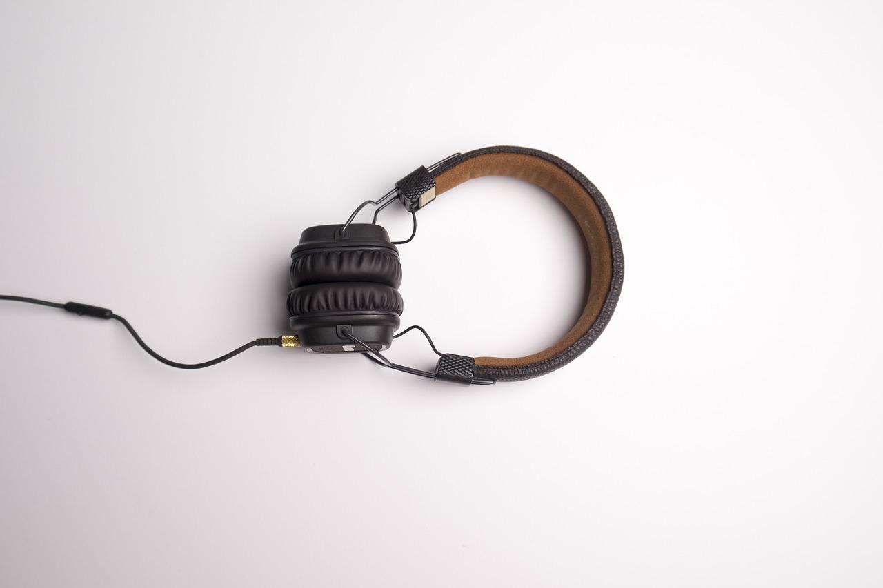 モニターヘッドフォンの選び方